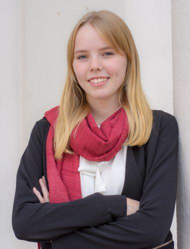 Julia Bernsteiner - Sekretariat