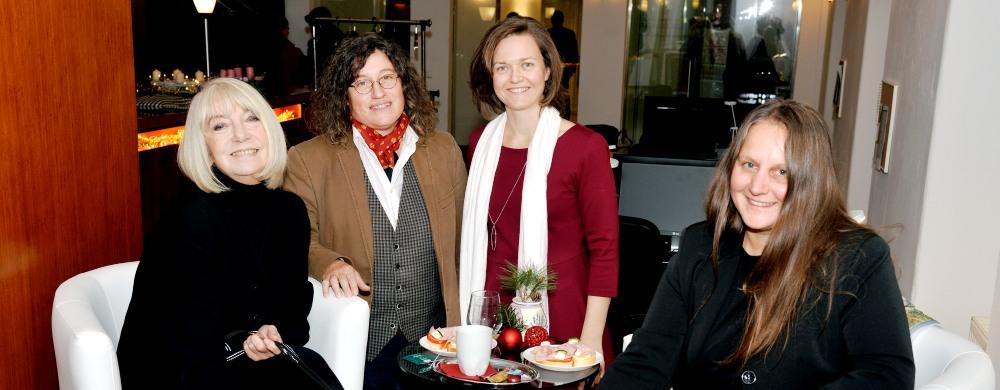 Vorweihnachtliche Lesung von Erika Pluhar in der Rechtsanwalts-Kanzlei Dr. Ollinger