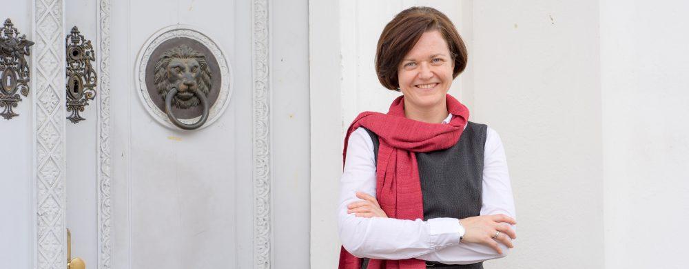 Dr. Nina Ollinger